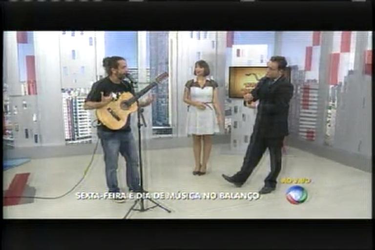 Renato Caetano toca e canta ao vivo no Balanço Geral MG - Minas ...