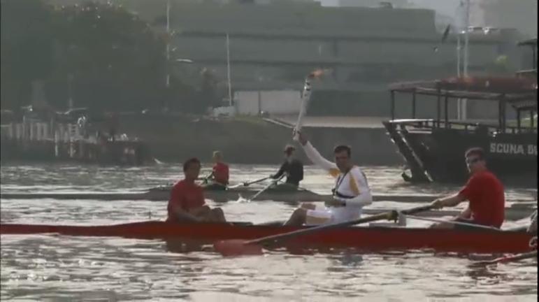 Revezamento da tocha olímpica passa por Florianópolis ( SC ...