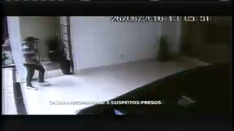 Trio suspeito de arrombamento de casas em Contagem são presos