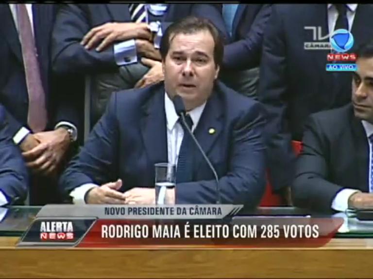 Rodrigo Maia é eleito presidente da Câmara com 285 votos ...