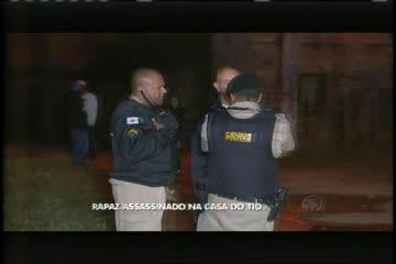 Trailer de sanduíche é levado por ladrões - Minas Gerais - R7 ...