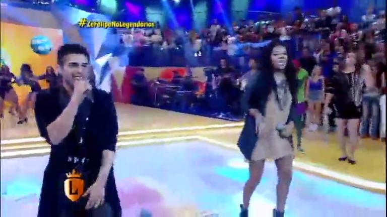 Zé Felipe e Ludmilla cantam juntos no palco do Legendários ...