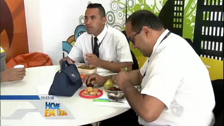 Entenda como levar marmita para o trabalho pode gerar uma ...