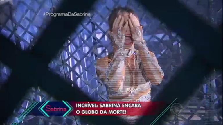 Sabrina vira artista de circo e encara Globo da Morte no Parente por ...