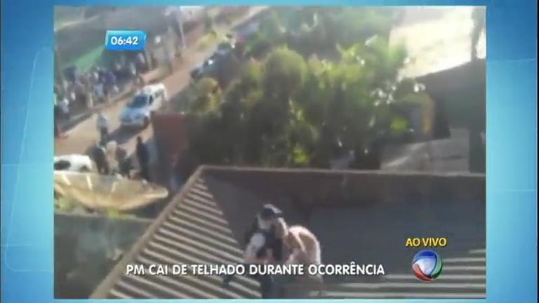 PM e suspeito despencam de telhado no DF - Notícias - R7 Balanço ...