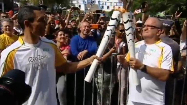 Revezamento da tocha olímpica volta ao litoral de SP - Notícias - R7 ...