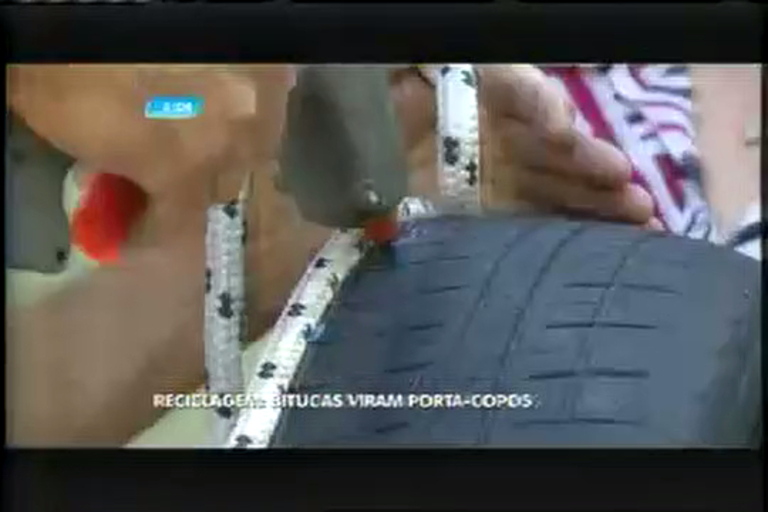 Mineiros transformam pneus e cordas em mesas