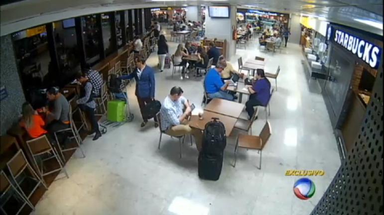 Câmeras flagram a ousadia de ladrões de malas no principal ...