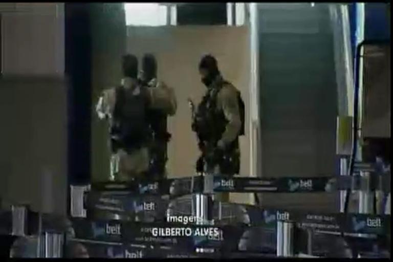 Ministro da Justiça vistoria segurança no aeroporto