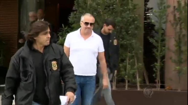 Carlinhos Cachoeira e Cavendish voltam para a cadeia no Rio de ...