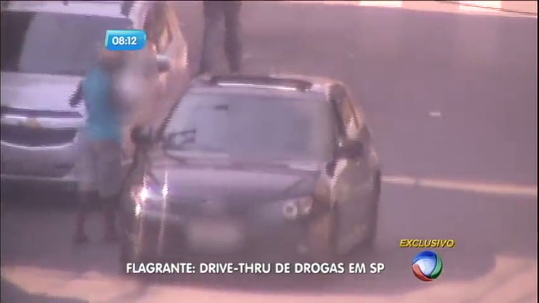 Flagra: motoristas frequentam drive-thru do tráfico na zona sul de ...