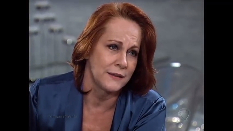 Vilma acredita que Roberto seja o incendiário misterioso