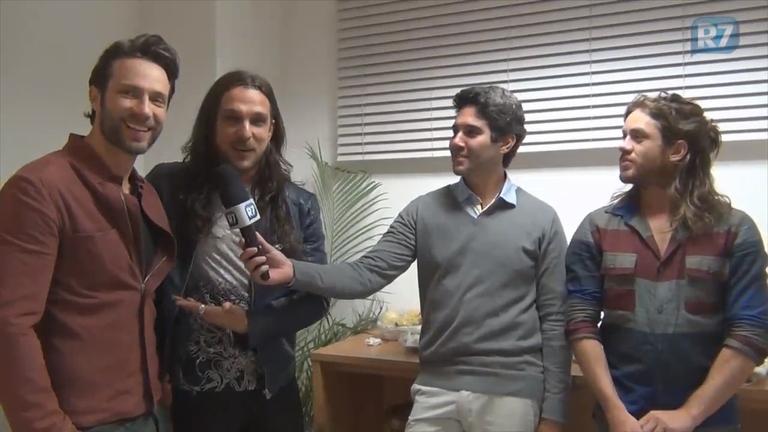 Fernando Pavão e Igor Rickly se encontram nos bastidores…