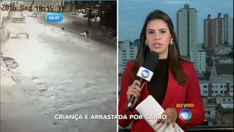 Flagra: criança é atropelada e arrastada por carro em Belo Horizonte