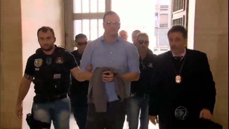 Homem é detido após ameaçar explodir bomba no Metrô de São ...