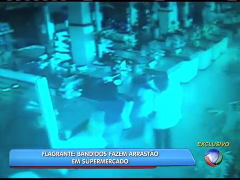 Bandidos fazem arrastão em supermercado de São Gonçalo, região ...
