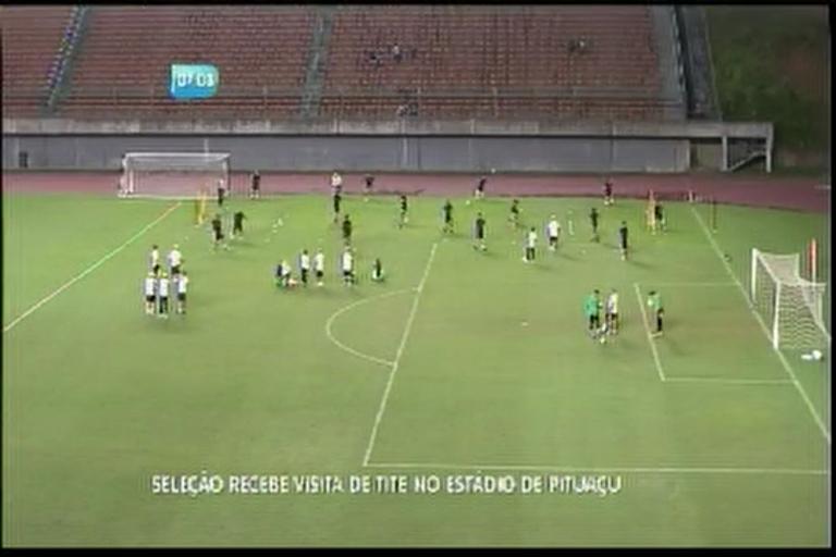 Seleção recebe visita de Tite no Estádio de Pituaçu