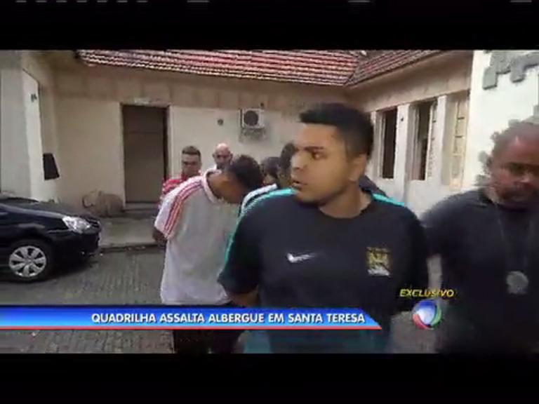 Quadrilha assalta albergue em Santa Teresa, no centro - Rio de ...