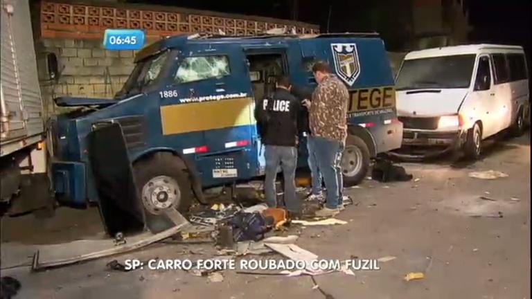Bandidos usam fuzis para roubar carro forte em Guaianases ...