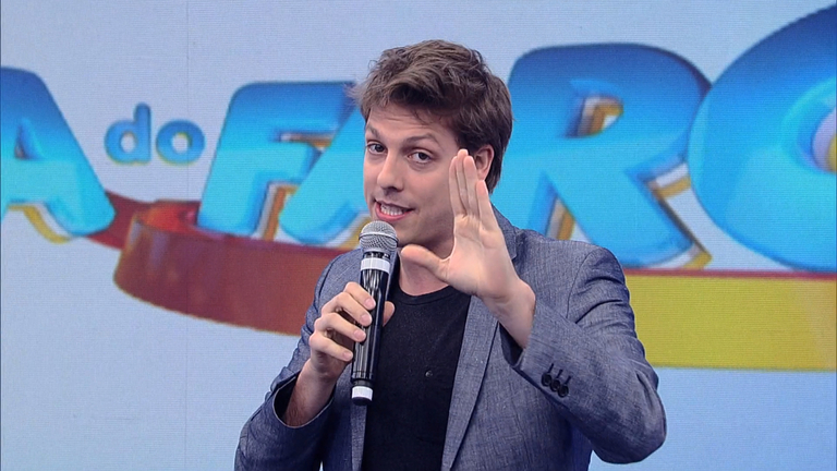 Fábio Porchat arma uma pegadinha emocionante para Rodrigo Faro