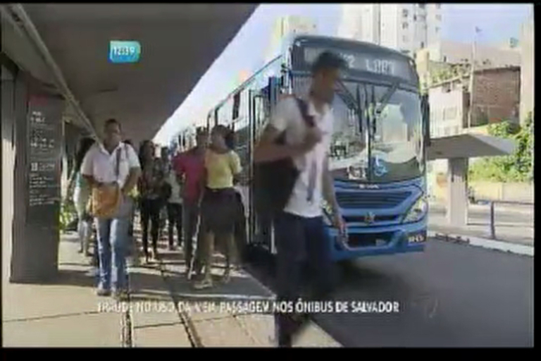 Fraude no uso da meia passagem nos ônibus de Salvador - Bahia ...