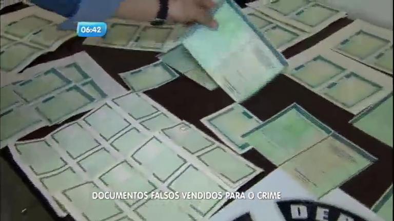 Polícia prende quadrilha que falsificava documentos para ...