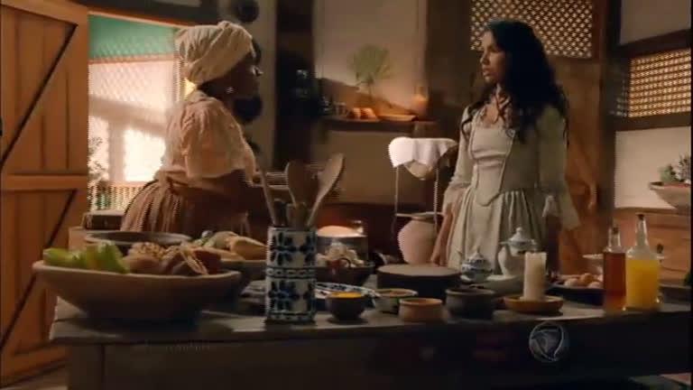 Juliana conversa com tia Joaquina que reprova o encontro dela ...