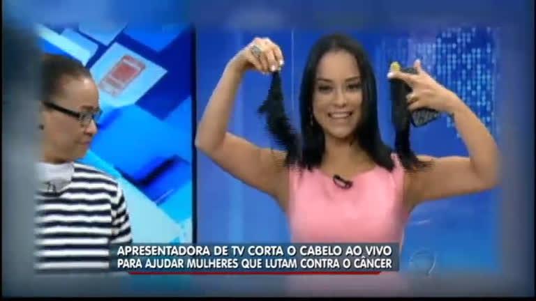 Ao vivo, apresentadora Lidiane Shayuri doa cabelos para ajudar ...