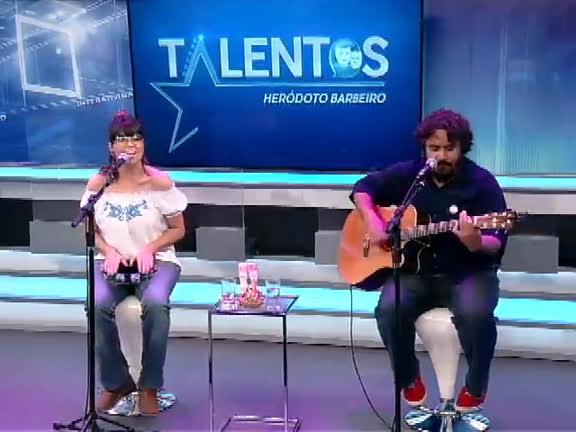 JR News Talentos: Heródoto Barbeiro recebe a cantora Paula Cavalciuk
