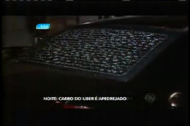 Carro do Uber é apedrejado no centro de Belo Horizonte