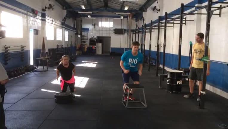 Bastidor: Fábio Porchat encara treino pesado ao lado de Juliana ...