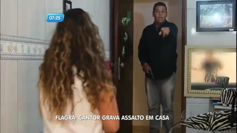 Sertanejo que gravava clipe flagra assalto à sua casa no DF ...
