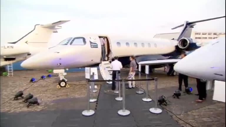 São Paulo reúne aeronaves de luxo em feira de aviação executiva ...