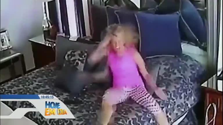 Milionário acusado de violência doméstica apresenta vídeo em que ...