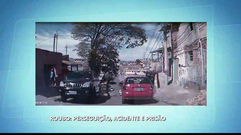 Perseguição a carro roubado em BH termina em acidente e prisão ...