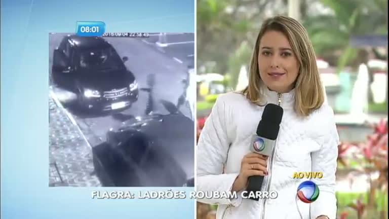 Bandidos rendem mulheres e roubam carro em São Vicente ( SP ...
