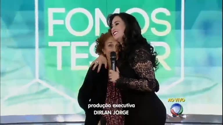 Surpresa! Fabíola Gadelha reencontra a avó no palco do Gugu ...