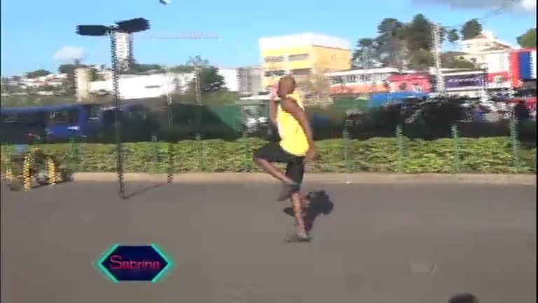 """Sabrina Sato encontra """" Usain Bolt"""" pelas ruas de SP ..."""
