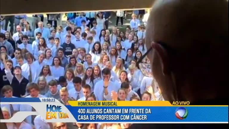 Alunos fazem surpresa para professor que luta contra câncer ...