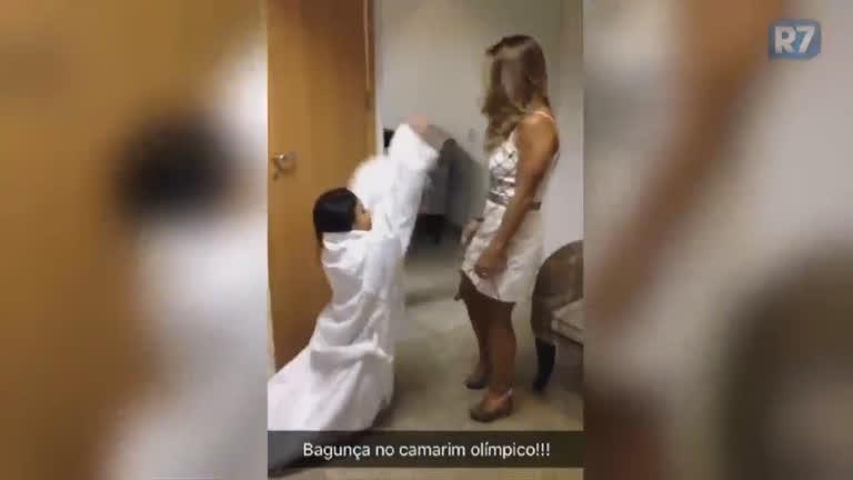 """Direto do Snap: Fernando Sampaio flagra""""briga"""" de Jade Barbosa e ..."""
