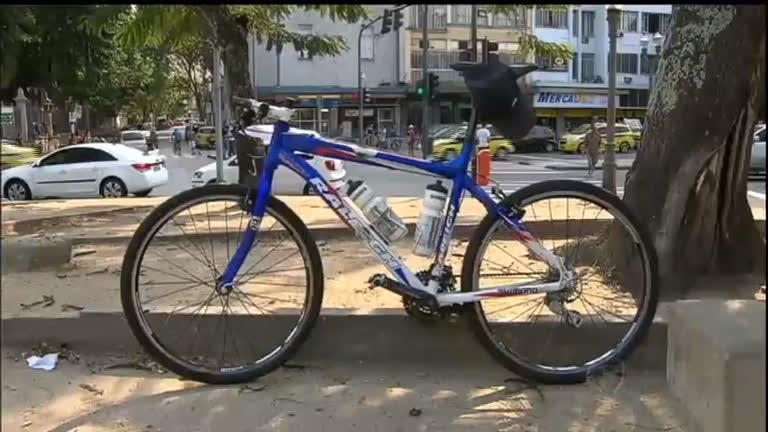 Ciclista argentino morre atropelado por ônibus no Rio de Janeiro ...