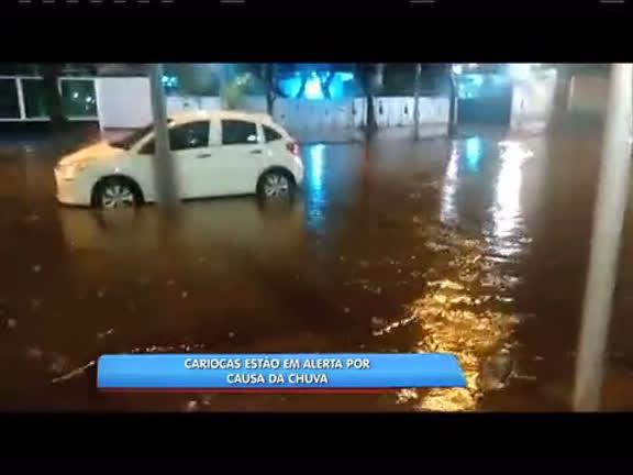 Bairro do Catete sofre com alagamentos - Rio de Janeiro - R7 ...