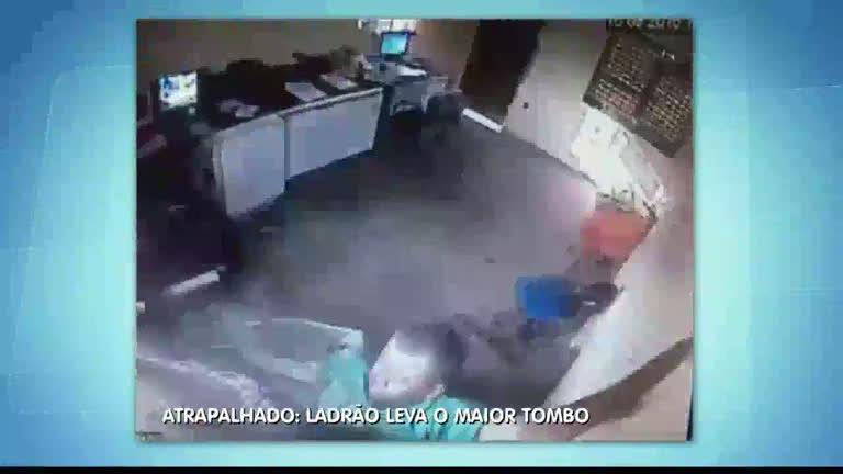Cadê o bandido: Ladrão atrapalhado leva tombo durante roubo ...