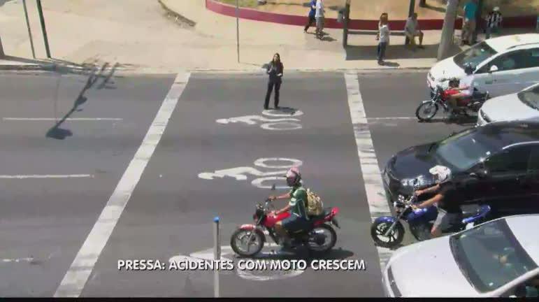 Campanha em BH tenta conscientizar motociclistas para os…