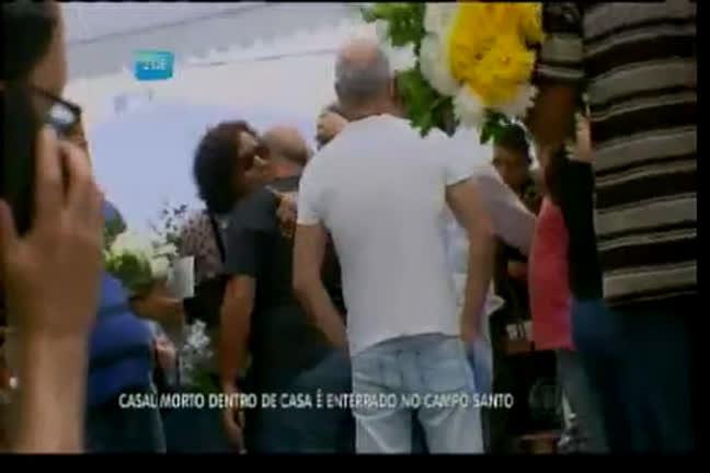 Casal morto em Placaford é enterrado - Bahia - R7 Balanço Geral BA
