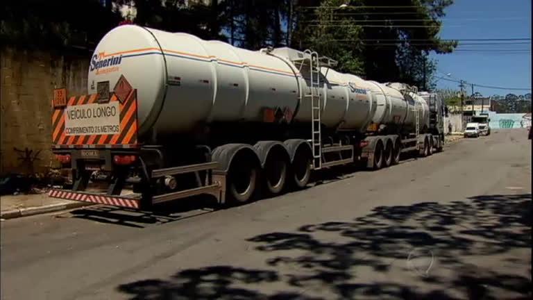 Distribuidora clandestina vendia combustível com apenas 20% de gasolina
