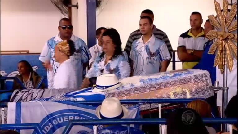 Corpo de Marcos Falcon é enterrado no Rio de Janeiro