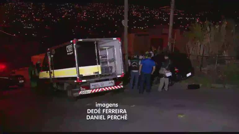 Casal morre após ter carro metralhado por bandidos