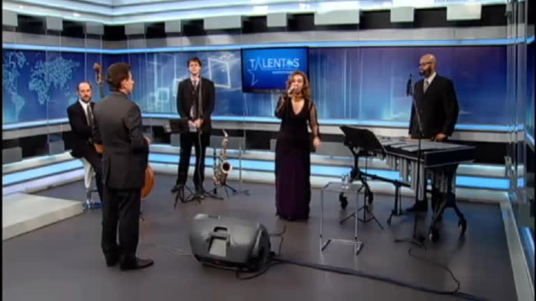JR Talentos recebe a cantora Vânia Bastos
