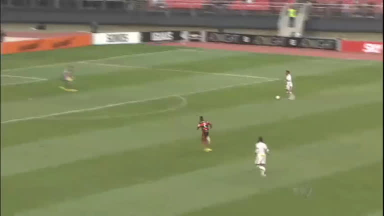 De olho na liderança, Flamengo e São Paulo se enfrentaram no ...